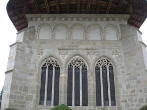 Manastirea Putna - contraforti si ferestre gotice