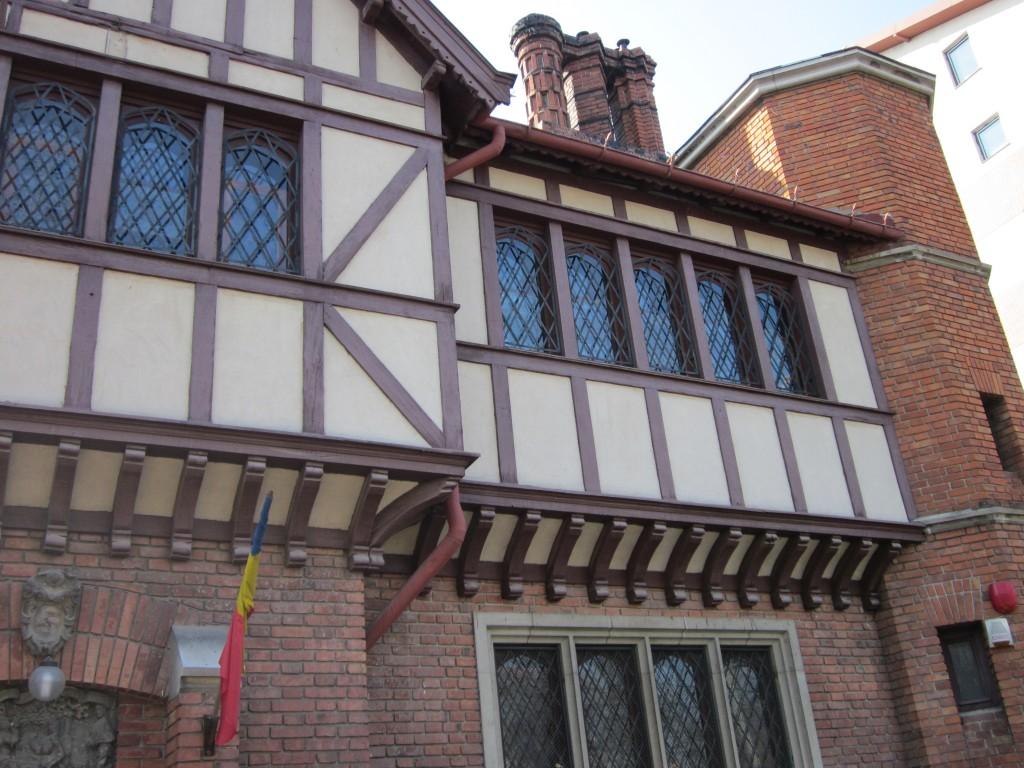 Muzeul de arta medievala D Minovici