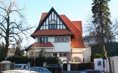 Casa in stil Tudor, Str Sofia