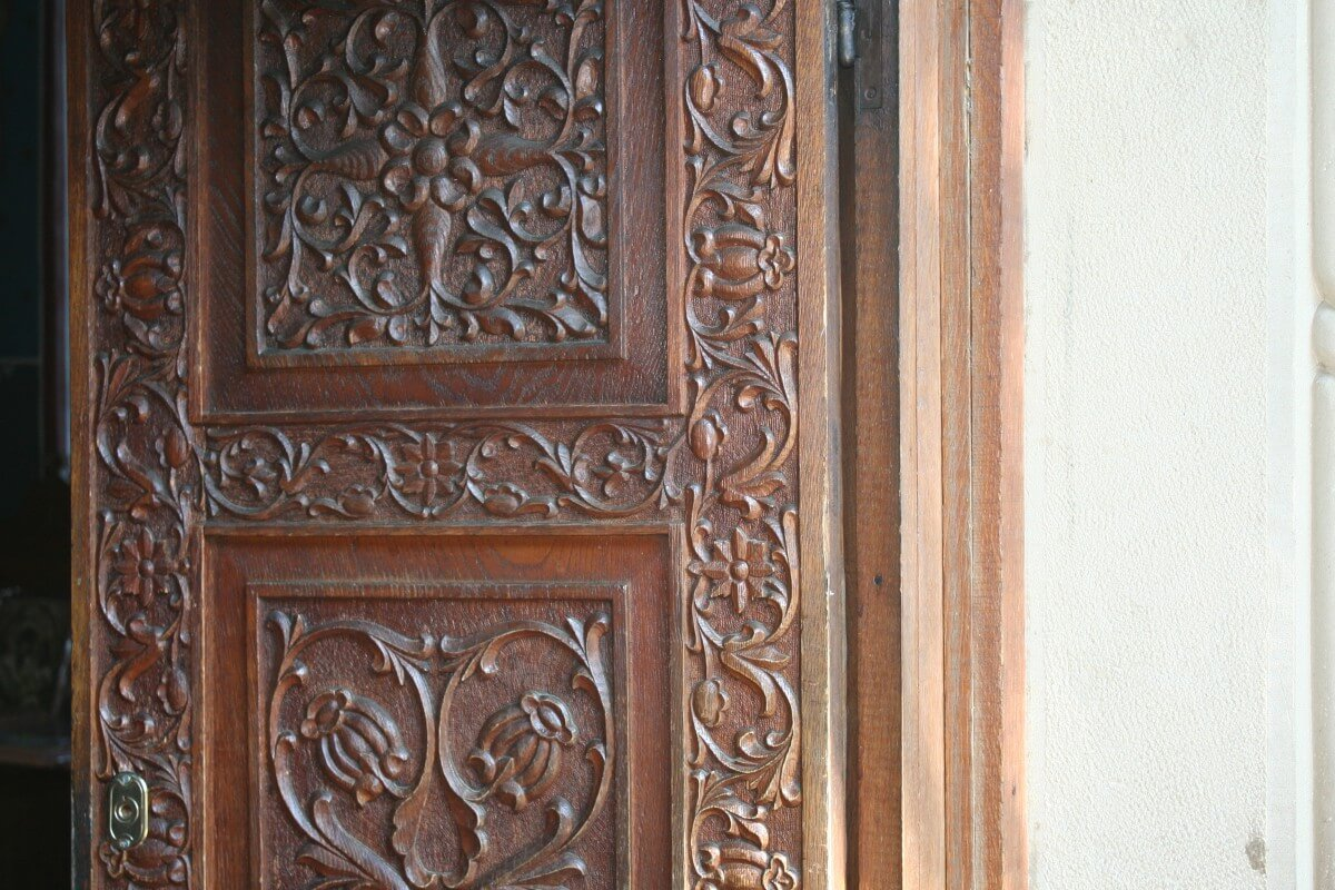 Detaliu usa Manastirea Sihastria