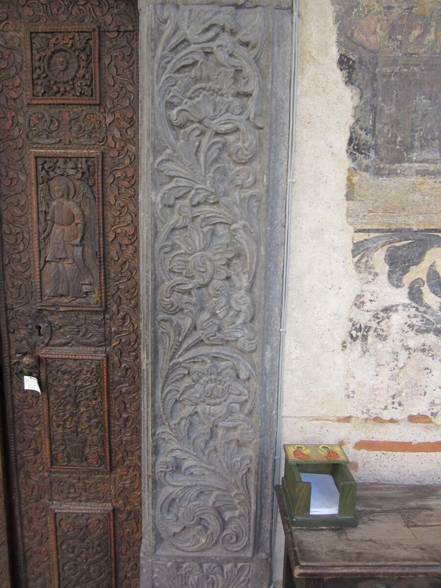 Detaliu usa Schitul Stavropoleos