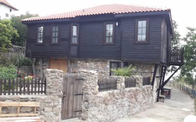 Case tradiționale în Ahtopol, Bulgaria